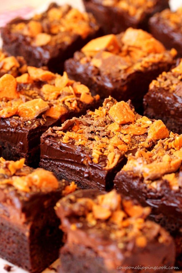Cut Butterfinger Brownies