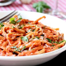 Linguine with Tomato Cream Sauce