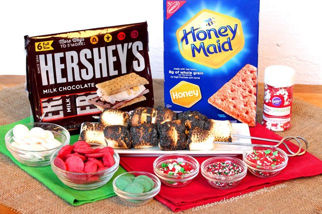 Christmas Decorated S'mores ingredients