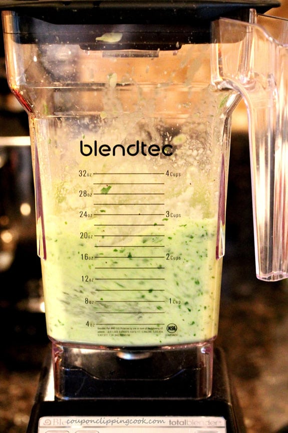 Blend avocado sauce in blender