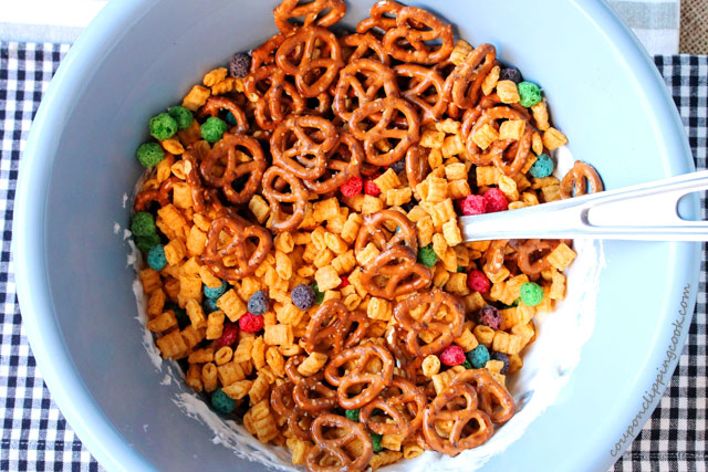 Cereal pretzels and marshmallow in bowl