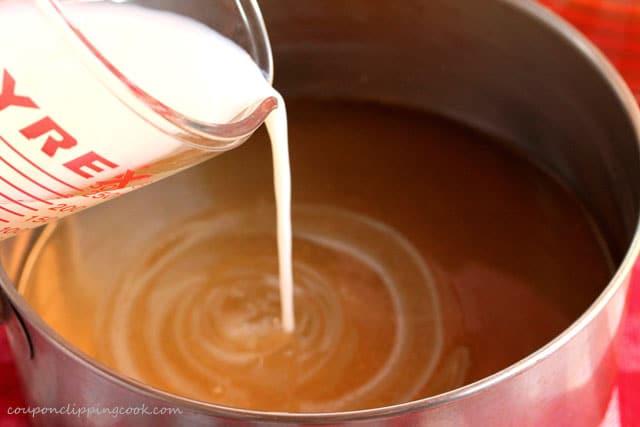 Pour milk into saucepan