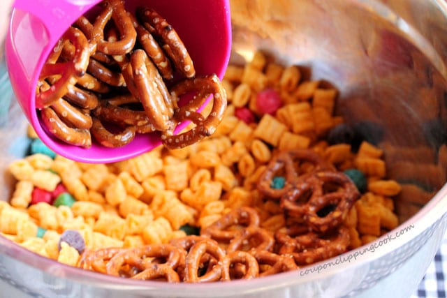 Add pretzels to bowl