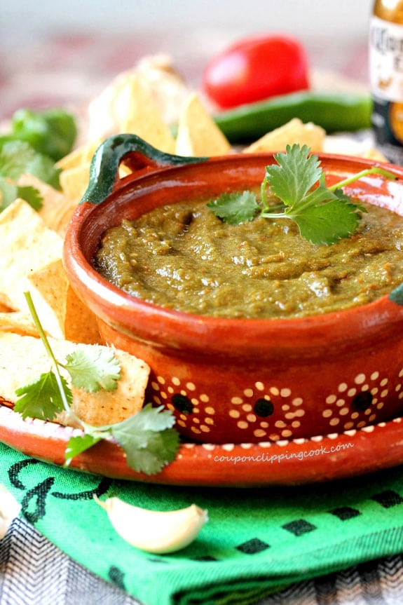 Cilantro and Garlic Salsa in bowl