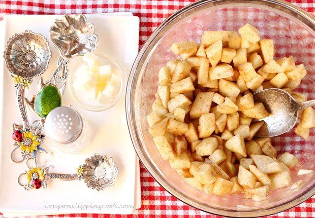 Apple pie filling in bowl