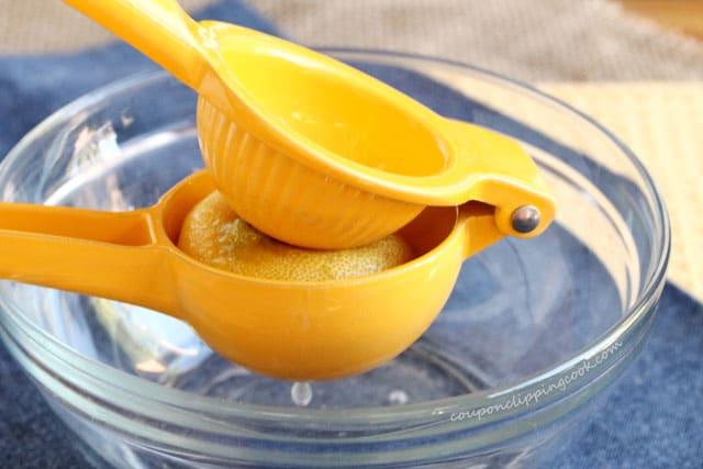Squeeze lemon juice in bowl