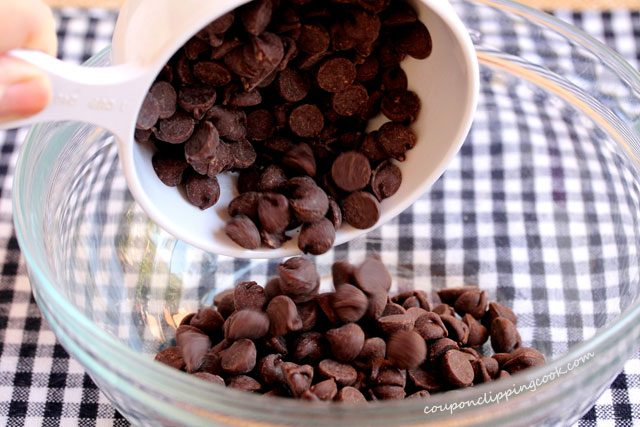 Add chocolate chips in bowl
