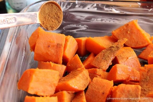 Add cinnamon on yams