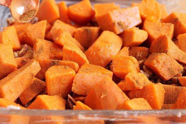 Add cinnamon on cut yams