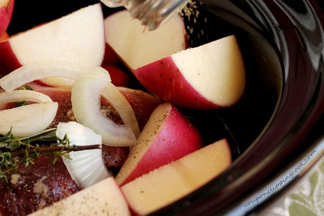 Add pepper on potatoes in pot