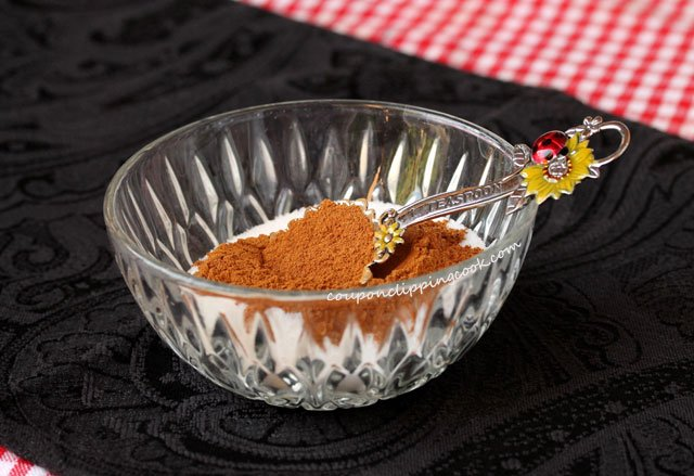 Cinnamon and sugar in bowl
