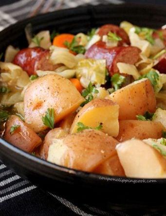 Slow Cooker Smoked Sausage, Potato and Vegetable Bowl