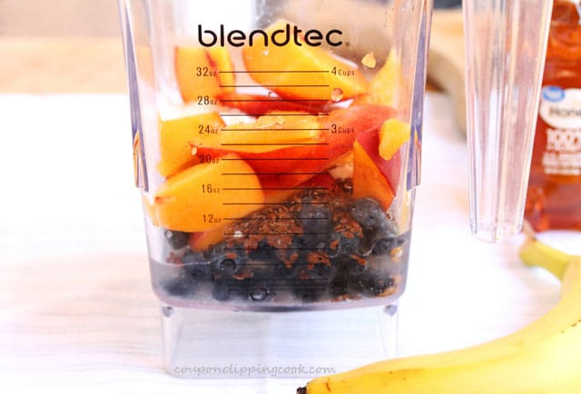 Peaches and blueberries in blender