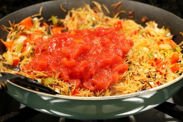 Canned tomatoes in fideo pasta